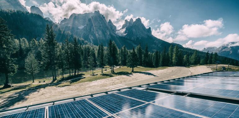 Efficienza energetica e fonti rinnovabili: le interrogazioni al ministro Patuanelli sulla governance GSE